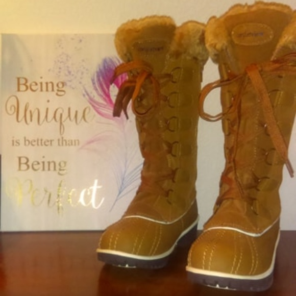 newest style best quality for forefront of the times Gorgeous NWOT Comfortview Waterproof Winter Boots